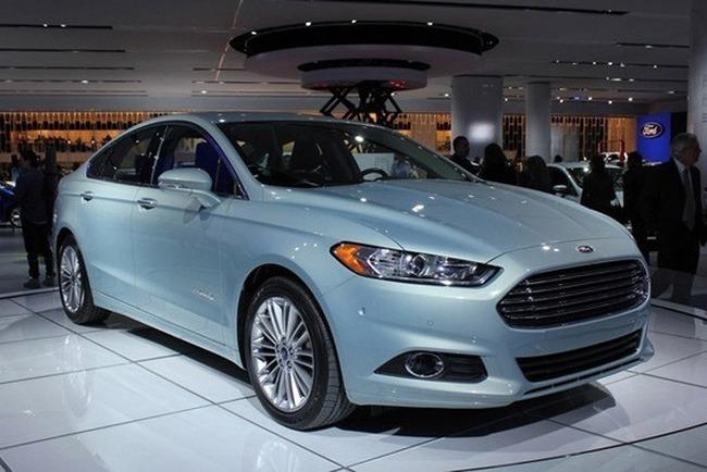 ford-fusion-hybrid-2013