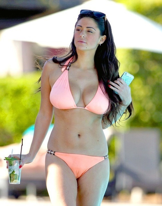 girl-casey-batchelor