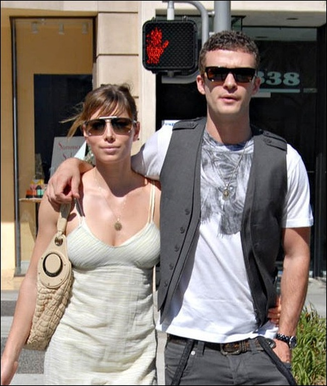"Exclusive...Hot couple Justin Timberlake and Jessica Biel were spotted in Beverly Hills, California today grabbing some lunch at ""Jack n' Jill's"" before doing some shopping. The cafe/bakery is known for their down home style comfort food, served in very large portions. ""Jessica really loves to work out and so does Justin, but lately it seems like that's all she is doing,"" the News of the World quoted a source, as saying. ""Justin is trying to get it through to her that she can take some time out to enjoy burger and beers,"" the source added. Meanwhile, rumors are rife that the hunky pop star is hunting for the perfect ring for his girlfriend. The '4 Minutes' singer is also reportedly eyeing many exotic islands as a venue for his marriage to Biel.""     08/07/2008 --- Justin Timberlake, Jessica Biel --- (C) 2008 Fame Pictures, Inc. - Santa Monica, CA, U.S.A - 310-395-0500 / Sales: 310-395-0500"