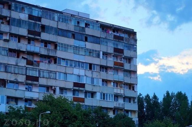 Rușii dărâmă blocurile comuniste