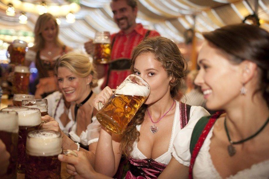 german-beer-festival-girl-drinking