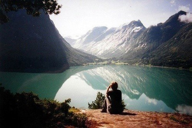 alone_on_the_lake