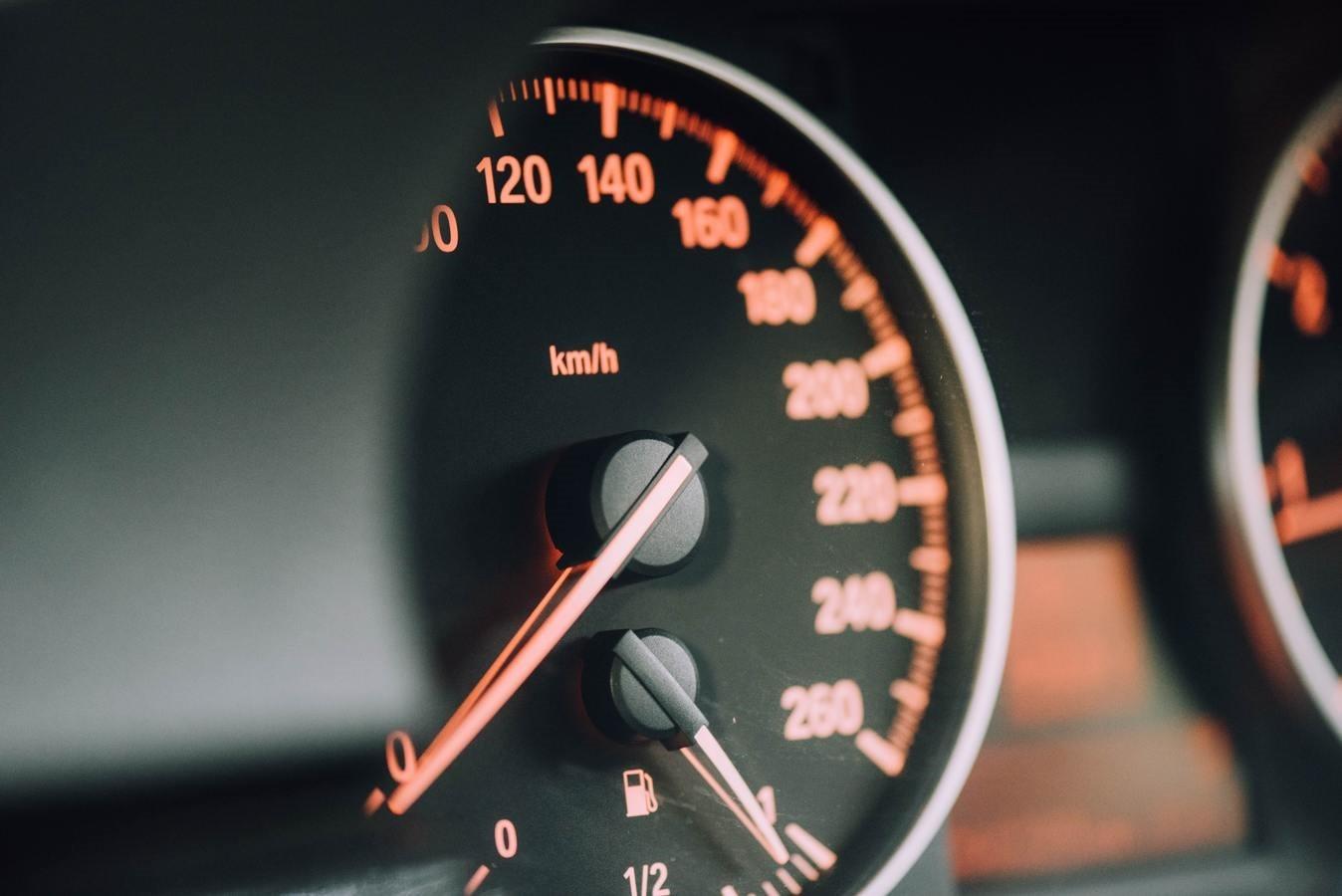 masina-viteza-bord